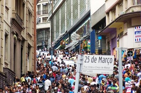 Rua 25 de Março, São Paulo, SP. Imagem: Janaína Calaça