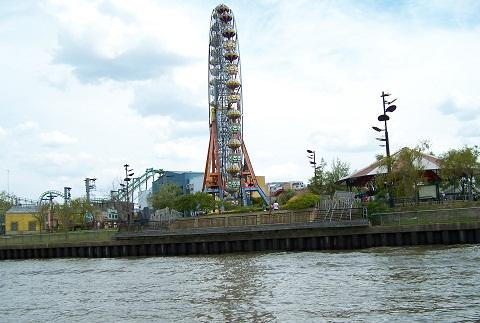 Parque de la Costa, parque de diversões onde acontecem shows e onde há opções gastronômicas para os visitantes. Imagem: Arquivo Jeguiando
