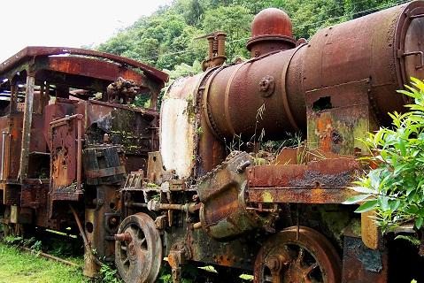 Trem em ruínas. Paranapiacaba, Santo André, SP. Imagem: Janaína Calaça