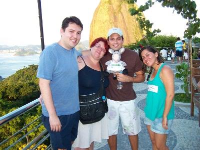 Junior, eu, Denis e Andréia. Blogueiros no Rio. Royal Holiday.Imagem: Jeguiando.