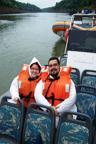 Janaína Calaça e Erik Pzado, Jeguiando no Macuco Safari.