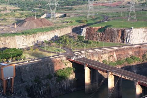 Itaipu. Foz do Iguaçu. Imagem: Erik Pzado.