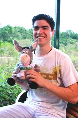 Jegueton e Alisson, nosso guia em Foz do Iguaçu. Imagem: Erik Pzado.
