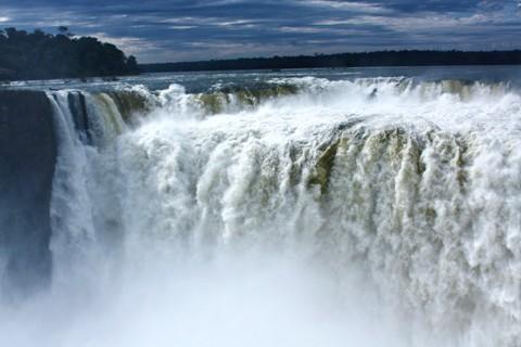 Garganta del Diablo. Cataratas Argentinas. Porto Iguaçu. Imagem: Erik Pzado.