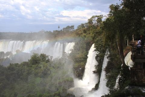 Arco-íris. Cataratas Argentinas. Porto Iguaçu. Imagem: Erik Pzado.
