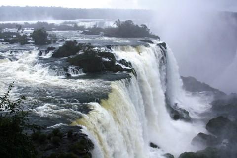Cataratas Brasileiras. Parque Nacional do Iguaçu. Imagem: Erik Pzado.
