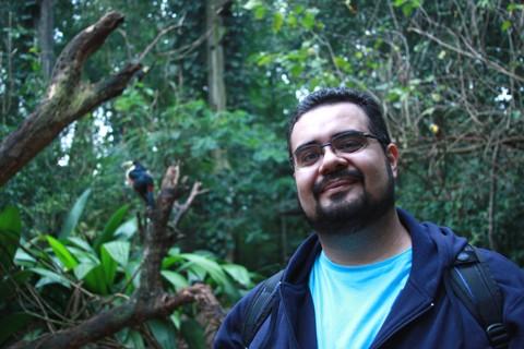 Erik Pzado no Parque das Aves. Imagem: Janaína Calaça.
