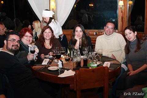 Erik Pzado, Janaína Calaça e Jegueton, Andrea, Mari Campos, Marcio Nel Cimatti e Rubita. Encontro de blogueiros de viagem em Bariloche, Argentina a convite da Royal Holiday.