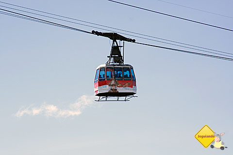 Teleférico que leva os turistas ao topo do Cerro Catedral. Imagem: Erik Pzado.