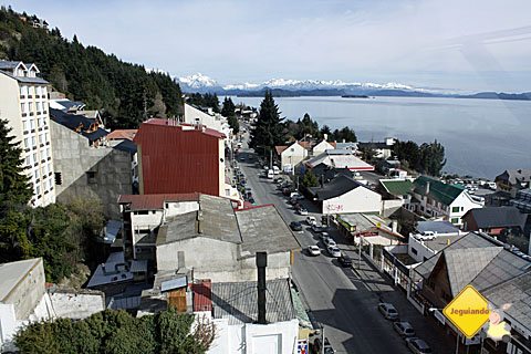 Vista privilegiada do Hotel Panamericano Bariloche, Argentina, para o Lago Nahuel Huapi. Imagem: Erik Pzado.