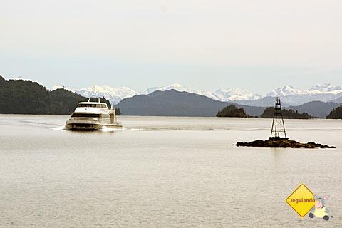 Catamarã para Isla Victoria e Bosque de Arrayanes. Imagem: Erik Pzado.
