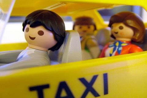 """""""Vou de táxiiii, você sabeeee. Tava morrendooo... de saudade...""""."""