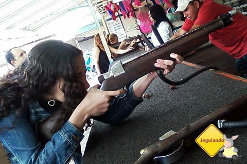 Nathy no tiro ao alvo no CTN. Imagem: Janaína Calaça.