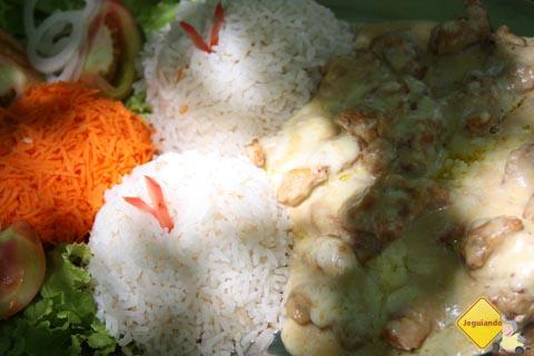 Jacaré ao molho de Guavira, um dos pratos servidos pelo Restaurante do Bosque. Imagem: Erik Pzado.