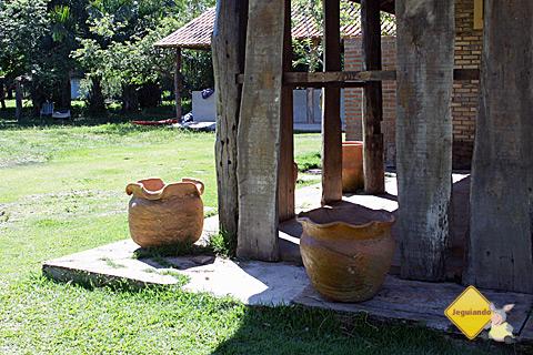 Potes de barro. Estância do Aracá, Bonito, Mato Grosso do Sul. Imagem: Janaína Calaça.