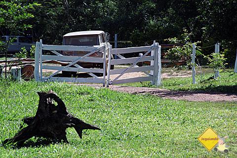 Porteira que abre caminho para a Estância do Araçá, Bonito, Mato Grosso do Sul. Imagem: Janaína Calaça.