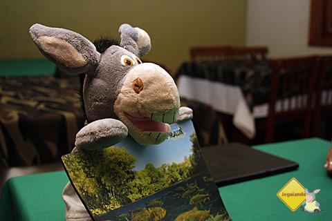 Jegueton agradecendo o presente do pessoal do Rio da Prata, um mousepad do passeio! Imagem: Erik Pzado.