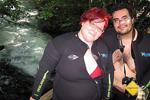 Janaína Calaça e Erik Pzado na trilha para o Rio da Prata. Imagem: Chris.