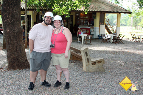 Erik Pzado e Janaína Calaça. Gruta do Lago Azul, Bonito, Mato Grosso do Sul. Imagem: Cris