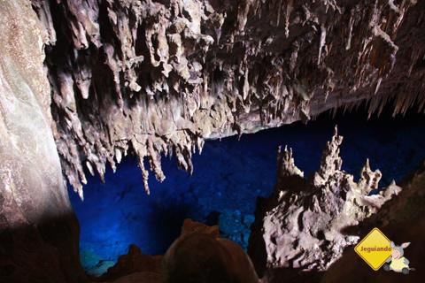 O azul hipnotizante das águas da Gruta do Lago Azul. Bonito, Mato Grosso do Sul. Imagem: Erik Pzado