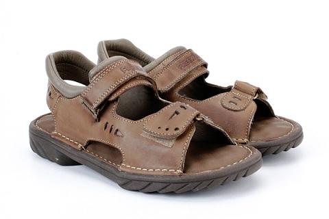 Sapatos confortáveis e antiderrapantes são necessários nos passeios em Bonito.