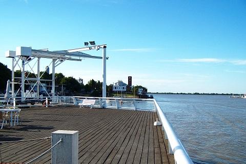 Deck de observação do Rio Paraná. Club Nautico Rosario. Imagem: Fábio Brito (Arquivo Jeguiando)