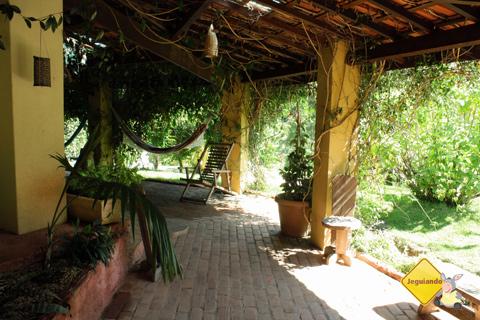 Área para descansar, papear e tomar um cafézinho. Fazenda Serra do Vale, São Luiz do Paraitinga, SP. Imagem: Erik Pzado.