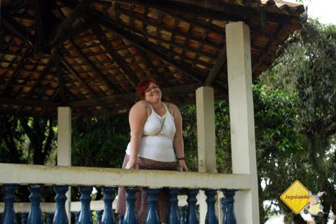 Janaína Calaça no coreto do Sítio do Picapau Amarelo. Taubaté, São Paulo. Imagem: Erik Pzado.