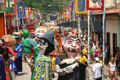 Carnaval dos gigantes. São Luiz do Paraitinga. Imagem: Alexandre Medeiros