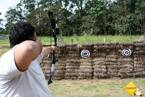 Erik Pzado tendo seus dias de Robin Hood. Imagem: Janaína Calaça.