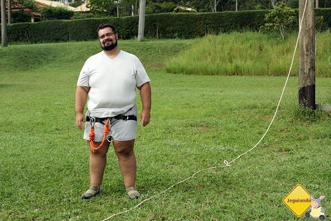 Erik Pzado vestido para o Rapel. Broa Golf Resort, Itirapina, São Paulo. Imagem: Janaína Calaça.