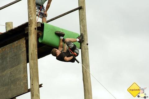 Fábio, do Viagem pelo Mundo, também fazendo acrobacias não ensaiadas. Imagem: Erik Pzado.