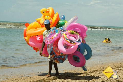 Colorido das boias. Jauá, Bahia. Imagem: Erik Pzado.