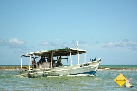 Navegando... Jauá, Bahia. Imagem: Erik Pzado.