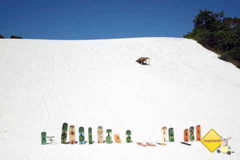 Morrinhos (dunas) de areia branquinha. Jauá, Bahia. Imagem: Erik Pzado.