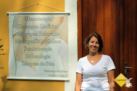 Fisioterapeuta Eliana e as atividades terapêuticas que desenvolve no Santa Clara Eco Resort, Dourado, SP. Imagem: Erik Pzado.