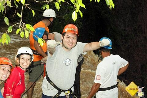 Júnior, do Viajar é Preciso, na Cachoeira do Saltão. Imagem: Erik Pzado