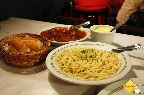 Espaguete e porpetas. Imagem: Erik Pzado