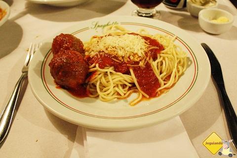 Espaguete e porpetas. Nham, nham! Imagem: Erik Pzado