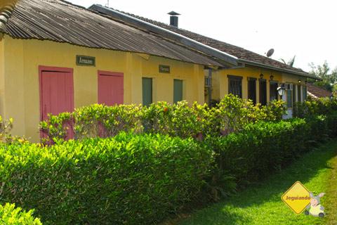 Armazém, farmácia, como numa cidadezinha do interior. Santa Clara Eco Resort, Dourado, SP. Imagem: Erik Pzado.