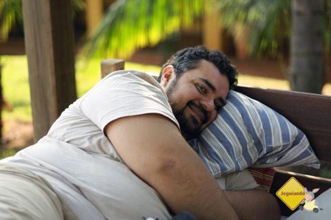Erik relaxando da correria da semana. Santa Clara Eco Resort, Dourado, SP. Imagem: Janaína Calaça.