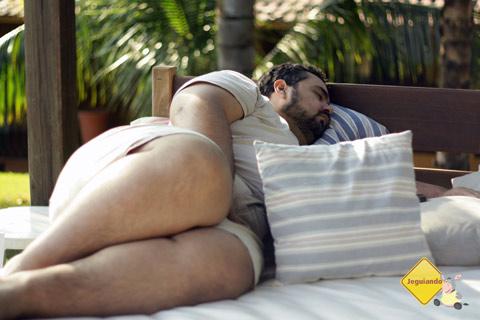 Erik de tanto relaxado... dormiu! Santa Clara Eco Resort, Dourado, SP. Imagem: Janaína Calaça.