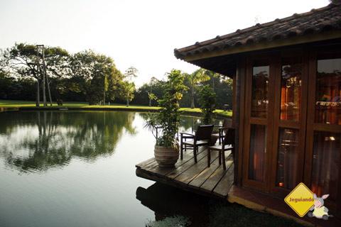 Quiosque sobre o lago. Santa Clara Eco Resort, Dourado, SP. Imagem: Erik Pzado