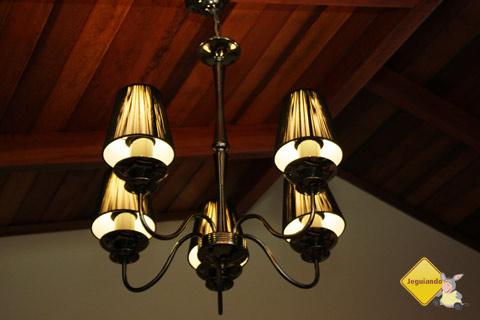 Luminária do nosso chalé. Santa Clara Eco Resort, Dourado, SP. Imagem: Erik Pzado