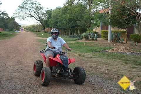 Passeio de quadriciclo na Rota Boiadeira. Bonito, MS. Imagem: Janaína Calaça