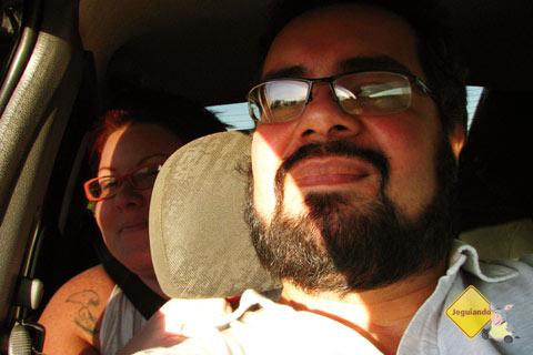 Jana Calaça e Erik Pzado na estrada rumo a Bonito, MS. Imagem: Erik Pzado