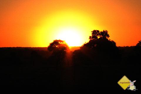 E o sol se escondia, para amanhã aparecer de novo. Imagem: Erik Pzado