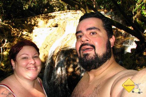 Jana e Erik. Trilha da Boca da Onça. Serra da Bodoquena, MS. Imagem: Erik Pzado