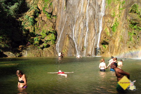 Jana na cachoeira da Boca da Onça. Imagem: Erik Pzado