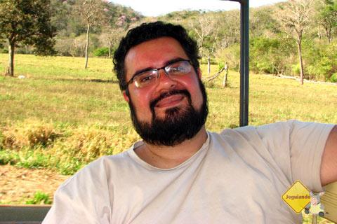 Erik no carro de apoio de volta à Fazenda Boca da Onça. Imagem: Janaína Calaça
